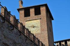 Reloj del castillo en Verona Imagen de archivo