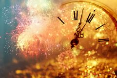 Reloj del ` de doce o - víspera del ` s del Año Nuevo Imágenes de archivo libres de regalías