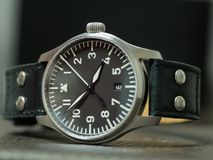 Reloj del flieger de Stowa con la correa de cuero Imágenes de archivo libres de regalías