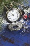 Reloj del mando del bolsillo de la Feliz Año Nuevo Imágenes de archivo libres de regalías