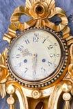 Reloj del oro Fotografía de archivo libre de regalías
