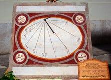 Reloj del reloj de sol Fotos de archivo libres de regalías