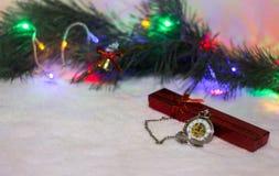 Reloj del ` s del Año Nuevo La Navidad Foto de archivo libre de regalías