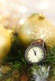 Reloj del ` s del Año Nuevo en la medianoche Imagenes de archivo