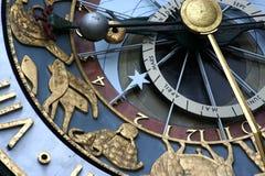 Reloj del zodiaco imagen de archivo