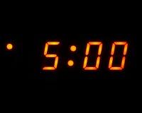 Reloj digital de 5 (aislado) Fotografía de archivo