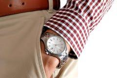 Reloj en la mano de los hombres Foto de archivo libre de regalías