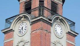 Reloj en la torre vieja Imagenes de archivo