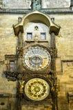 Reloj en Praga (Praga) Imágenes de archivo libres de regalías