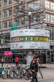 Reloj mundial Alexanderplatz Berlín Foto de archivo