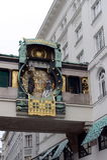 Reloj musical Ankeruhr ` Por encargo de la sociedad del seguro el ` del ancla en 1914 Los números en el dial substituyen los embl Foto de archivo