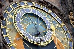 Reloj Orloj del townhall de Praga imagenes de archivo