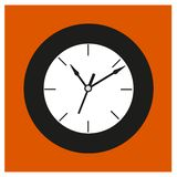 Reloj redondo negro del viejo estilo Imagen de archivo