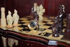 Reloj tallado del ajedrez Foto de archivo libre de regalías