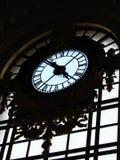Reloj viejo de la estación de tren imagen de archivo libre de regalías