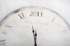 Reloj viejo de la vendimia del concepto del Año Nuevo que muestra 2011 Foto de archivo
