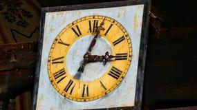 Reloj viejo en monasterio foto de archivo libre de regalías