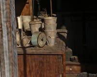 Reloj viejo en pueblo fantasma fotografía de archivo libre de regalías