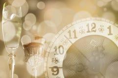 Reloj y vidrios con las luces de Bokeh Fotos de archivo libres de regalías