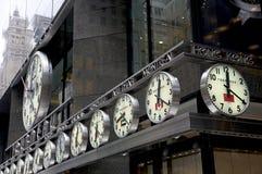 Relojes analogicos del mundo - NYC foto de archivo libre de regalías