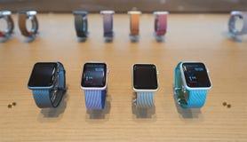 Relojes de Apple en Kuala Lumpur Fotos de archivo