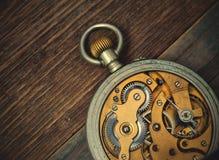 Relojes de bolsillo del vintage Lado trasero Imagen de archivo libre de regalías