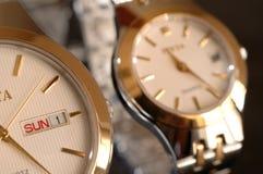 Relojes de oro Imagen de archivo libre de regalías