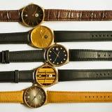Relojes del vintage en el fondo blanco Fotos de archivo libres de regalías