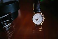 Relojes elegantes del ` s de los hombres Fotografía de archivo libre de regalías