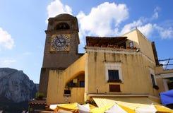 Relojes en la torre de Capri Fotografía de archivo