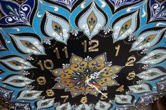 Relojes hechos a mano redondos negros de la mandala Foto de archivo