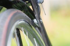 Rem van een fiets op aardachtergrond royalty-vrije stock afbeelding