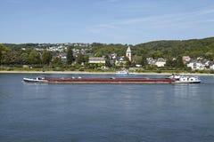 Remagen - Rzeczny Rhine z freighter Zdjęcia Stock