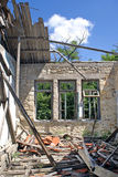 Remains av ett hus efter ett jordskalv royaltyfri foto