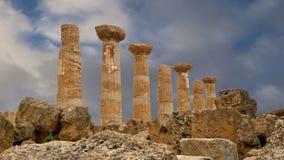 Remains de um templo de Heracles (século de V-VI BC), vale dos templos, Agrigento do grego clássico, Sicília video estoque