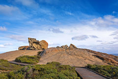 Remarkable Rocks, natural rock formation at Flinders Chase Natio. Boardwalk leading to the Remarkable Rocks, natural rock formation at Flinders Chase National Stock Photos