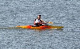 Rematore della canoa del kajak Fotografie Stock Libere da Diritti