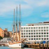 Remblai à Helsinki à l'été Sunny Day Images libres de droits