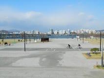 Remblai de Han River, île de Yeouido à Séoul Image stock