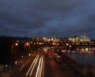Remblai de Kremlin la nuit Photos libres de droits