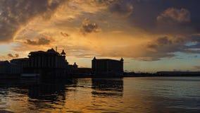 Remblai de Port-Louis au temps de coucher du soleil photographie stock libre de droits