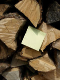 Remember: Post-it note. Remember: Write note on wood Royalty Free Stock Photo