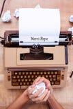 Remet le papier de froissement Image libre de droits