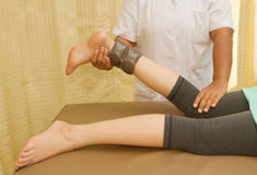 Remettez en état la formation pour le genou et bloquez le muscle avec le thera physique Photos stock