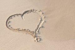 Remettez l'écriture en sable en quelques vacances d'été sur la plage Photo libre de droits
