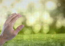 Remettez l'air émouvant avec la grille verte de technologie de nature Photo libre de droits