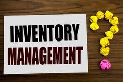 Remettez l'inspiration de légende des textes d'écriture montrant la gestion des stocks Concept d'affaires pour l'approvisionnemen image stock