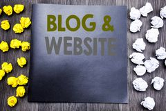 Remettez l'inspiration de légende des textes d'écriture montrant le site Web de blog Concept d'affaires pour le Web Blogging soci Photographie stock