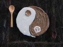 Remettez le dessin de la boue et du riz sur le verre comme Yin et Yang Images stock