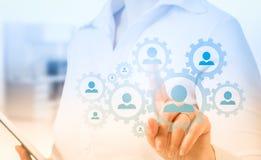 Remettez le réseau de transport d'icône d'homme d'affaires - concept d'heure, de HRM, de MLM, de travail d'équipe et de direction Image stock